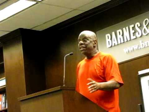 Jimmie Walker talking about his new book Dyn-o-mite at Barnes & Noble 6/26/2012 PART 1