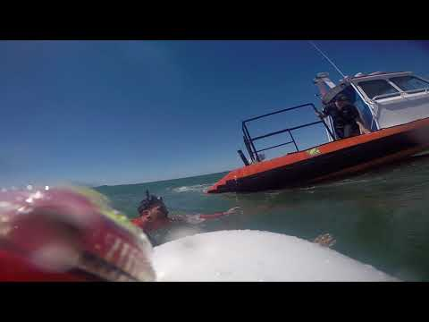 Rescate de kayakista en Mar del Plata