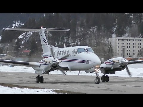 Beechcraft Super King Air 200 Takeoff