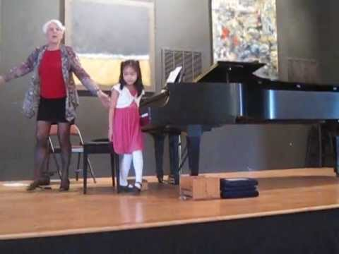 2013-01-27 sonatina  in c major , Evelyn Tan 8 years old