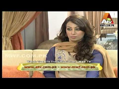 Sheeba Hassan, Sona Chandi Fame 01 Post by Zagham