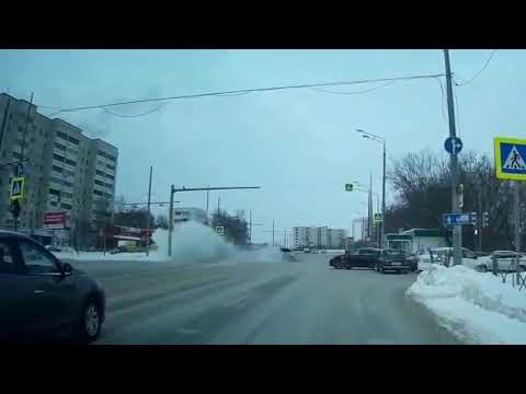 Жесткая встреча двух достойных водителей в Казани