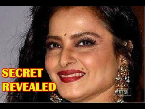 Rekha Reveals On The TV Show That Her Beauty Spot Is Fake
