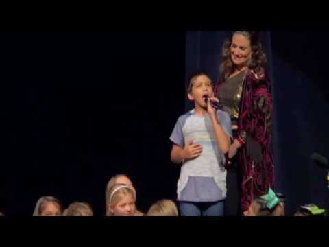 11-year-old boy performs 'Let it go' onstage with 'Frozen' singer Idina Menzel