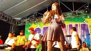 Download Video Cewek hot mabuk nonton& joget dangdut koplo jadi rebutan (Purel Oleng) MP3 3GP MP4
