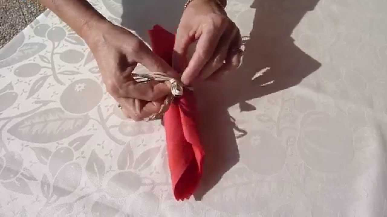 Pliage de serviette parchemin youtube - Pliage serviette coquillage ...