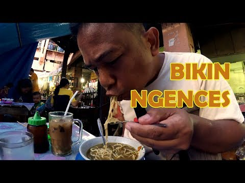 Makan Enak: Siantar miso soup noodles - Indonesian street food