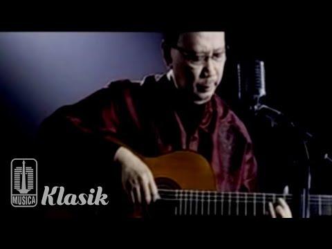 Ebiet G Ade - Izinkan Aku Reguk CintaMu (Karaoke Video)