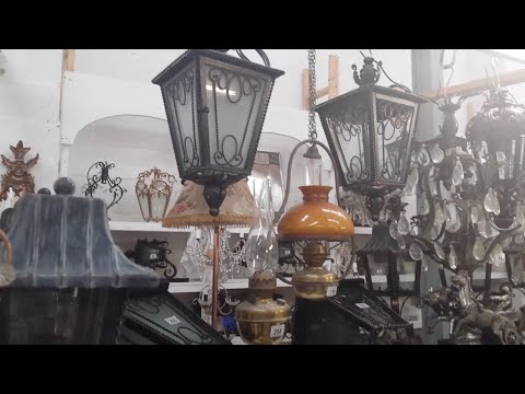Antiques, Chandeliers & Lighting Auction