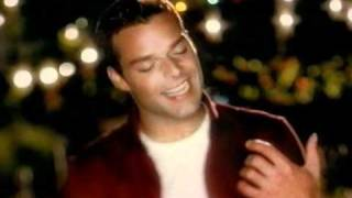 Gambar cover Pepsi - commercial with Ricky Martin / reklama s Ricky Martinem (2000) @ Staré Reklamy