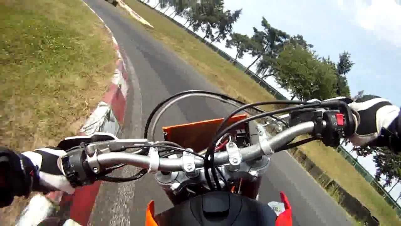 Ktm 690 smc r battle in schaafheim youtube for Spiegel unten motorrad