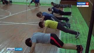 Бывший милиционер учит подростков играть в волейбол