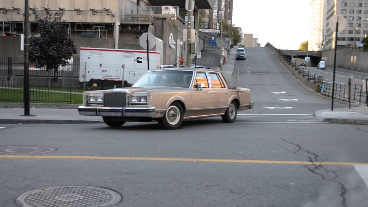 Old Lincoln Town Car Sighting From The Early 80s Youtube