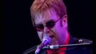 "elton john : ""all the girls love alice"""