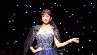 タレントの神田うの(41)が6日、都内で自らのウエディングドレス・ブランド「シェーナ・ドゥーノ」の新作発表会を開催。5日の出演番組で結婚を発表した