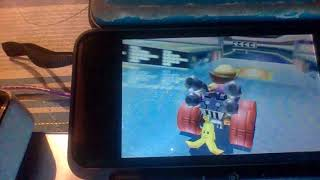 dodge blue shell in mario kart 7 (3DS)