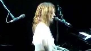 Tori Amos-Houston-04-27-03 =11= Wrapped Around Your Finger