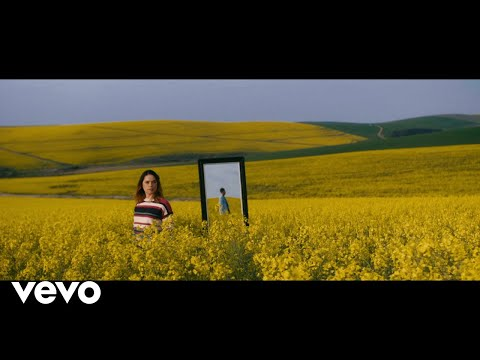 Christia Visser – Kaapse Blou (Official Music Video)