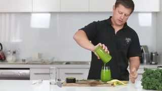 Green Smoothie - Kale, Spinach, Kiwi & Banana (recipe)