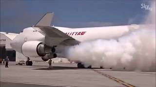 Boeing 747 testing new engine