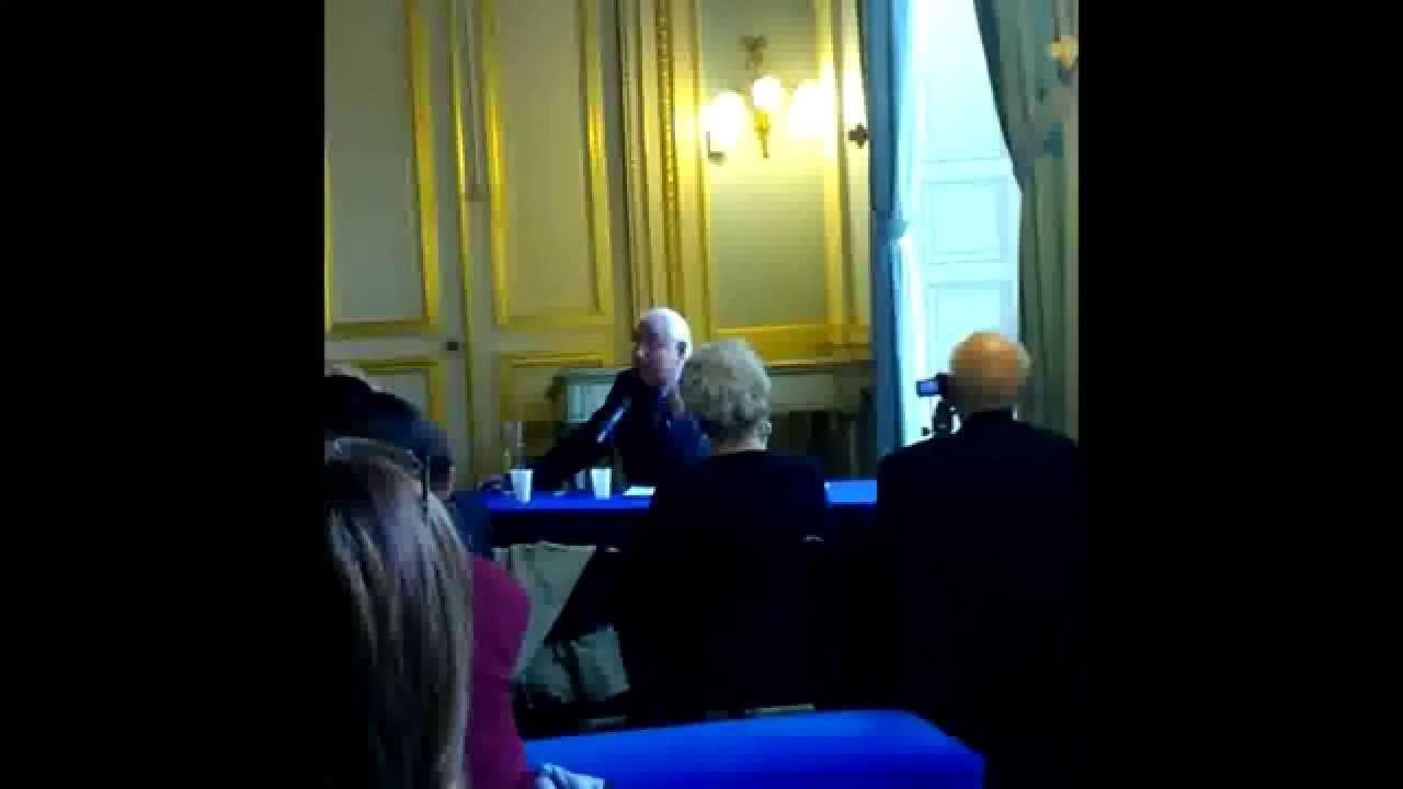 Bretons On N Est Pas Francais Bro Gozh Ma Zadou Louis Melennec Le Livre Bleu De La Bretagne
