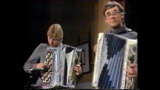 Elämää juoksuhaudoissa, Tapio Tuomisto-Toivo Marjamäki 1984