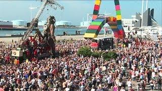 Le Havre : le départ des Géants de Royal de Luxe