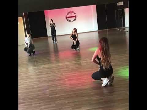 Ana Mena - Coreografia Oficial «Ya Es Hora» [Dance Tutorial]