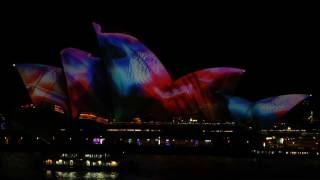 Sydney Opera House Forms Backdrop for Eerie Vivid Festival Light Show
