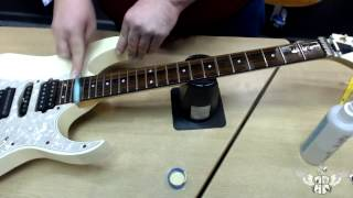 How to restring a (Lo Pro) Floyd Rose Guitar