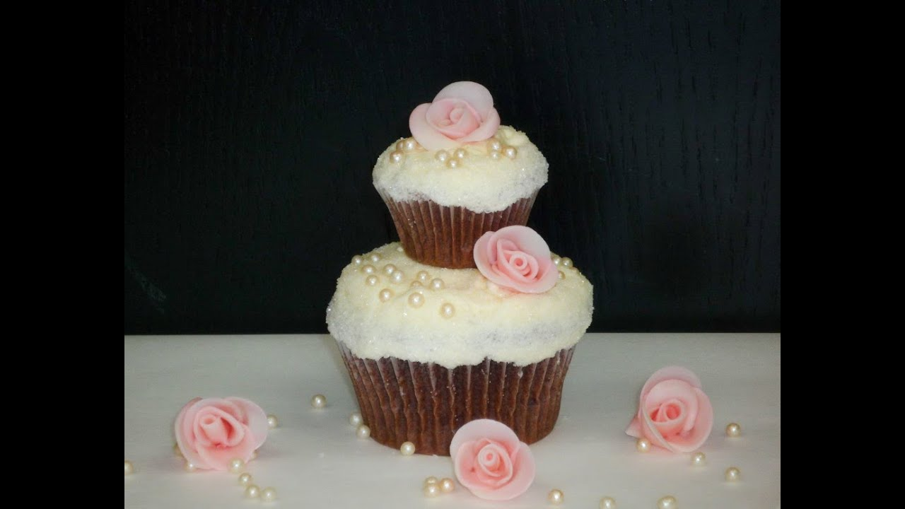 2 Stockige Hochzeits Cupcakes 2 Tier Wedding Cupcakes Youtube