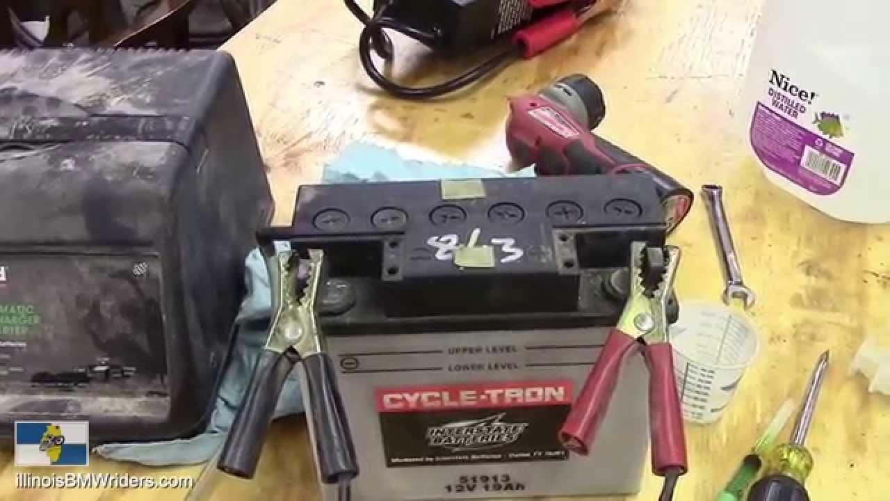 BMW K1200LT Battery Level Check Tip - YouTube