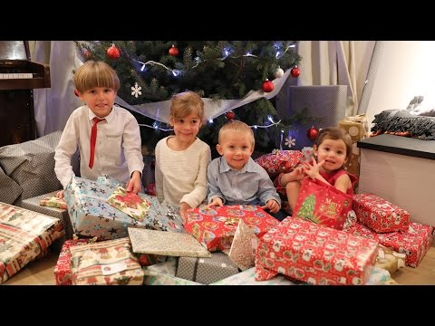 Kids Opening Christmas Presents - Disney Toys