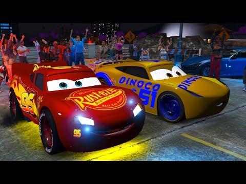 Şimşek McQueen ve Süper Hızlı Arabalar Gece Drift Yarışması Yapıyorlar