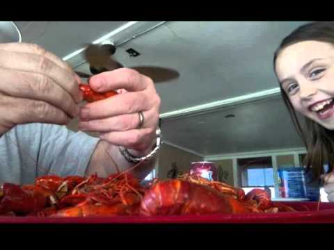 How To Peel Crawfish Faster!