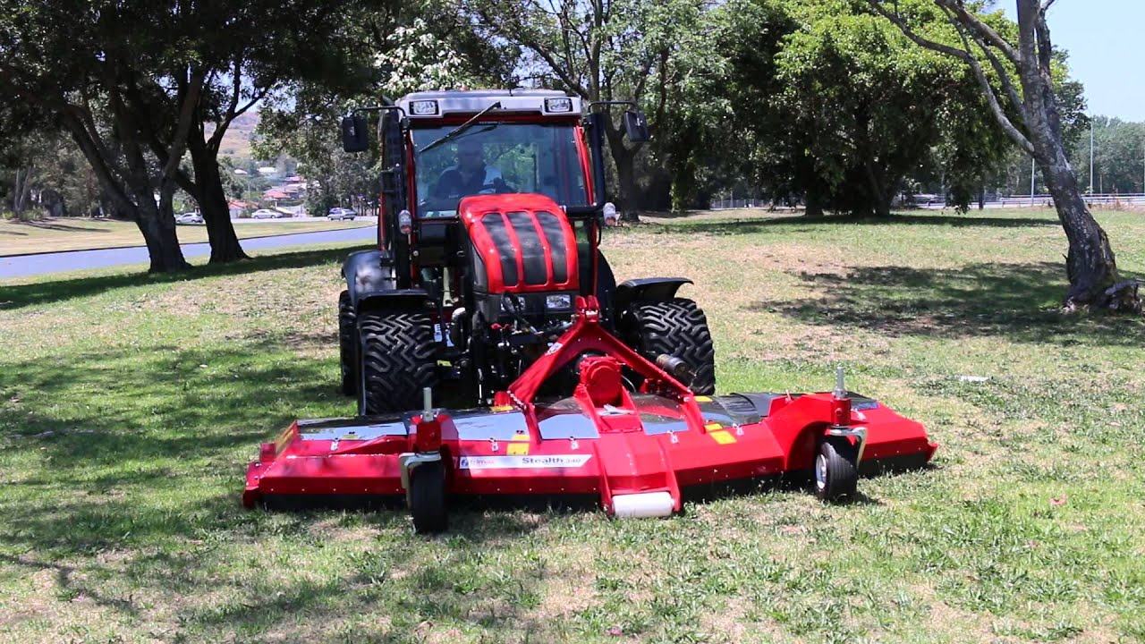 Reform Mounty 100v Tractor With Trimax Stealth 340 Front
