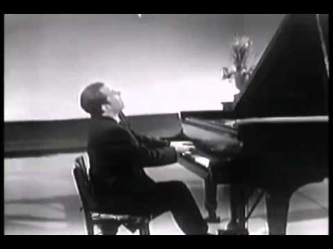 Glenn Gould - Mozart - Piano Sonata No.13 In D Flat Major K.333