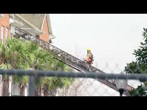 Eagle 8 over scene of Tampa apartment fire