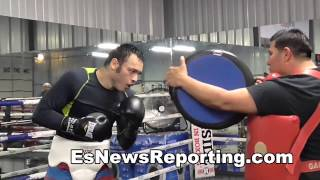 Julio Cesar Chavez Jr Explosive Mitt Workout - EsNews Boxing