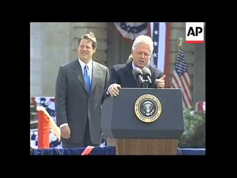 USA: MICHIGAN: BILL CLINTON & AL GORE