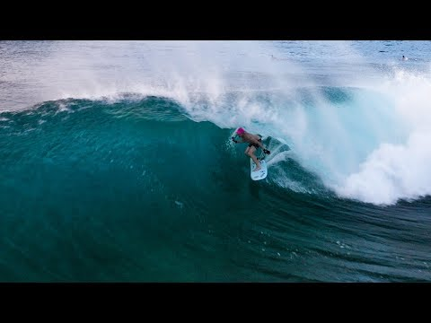 SURFING PIPELINE WITH NO FINS
