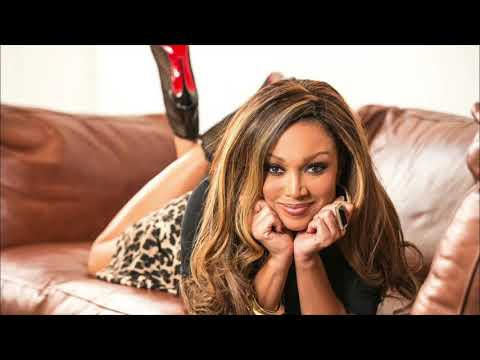, [VIDEO] Holiday Vibes! Christmas Love & Light w/ Chante Moore!