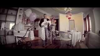 Самая трогательная красивая и лучшая выписка из роддома - Варвара (видеосъемка в роддоме) thumbnail