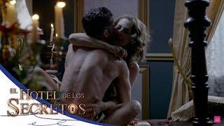 Video Julio busca olvidar a Isabel con Cecilia - El Hotel de los Secretos* download MP3, 3GP, MP4, WEBM, AVI, FLV Agustus 2018