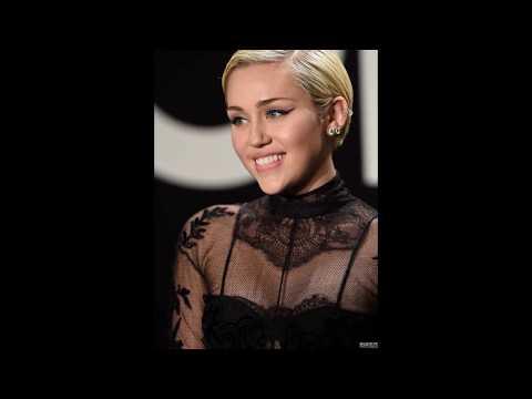 Miley Cyrus Sexy Pics