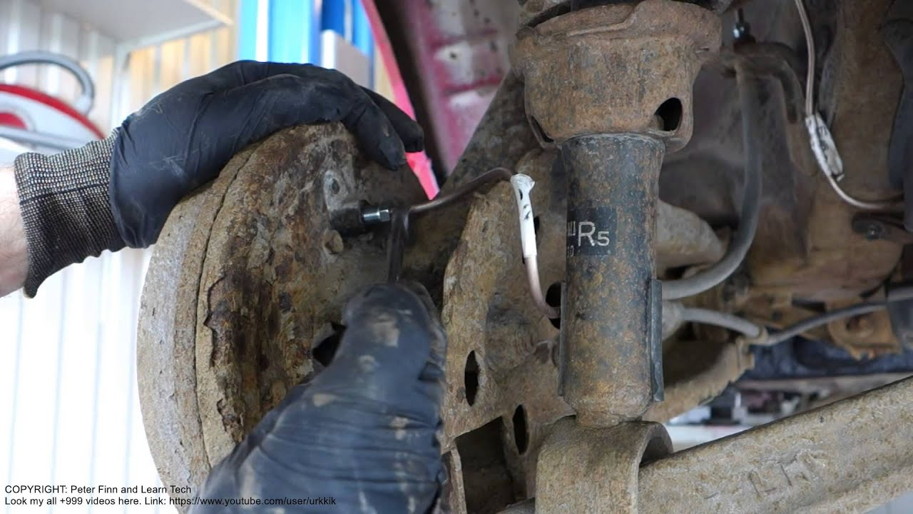 How to replace brake fluid metal hose pipe rear brake