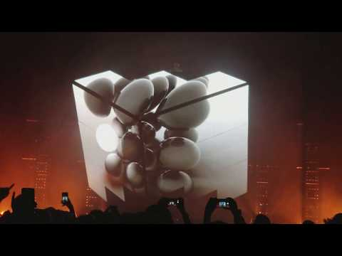 Deadmau5 - Concert - Part 2 - Avarita, Phantoms Can't Hang, Deus Ex Machina, Acedia and Stay