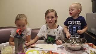 Дети готовят Салат из морской капусты с рыбой с домашним майонезом Видео для Детей For Children