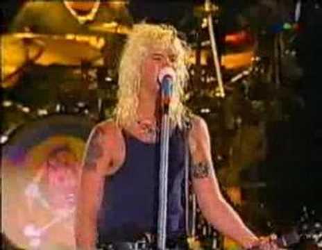 Guns N' Roses Argentina Attitude Duff Mckagan
