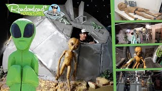 ROSWELL, New Mexico! Flying Saucers, UFOs, and ALIENS everywhere!